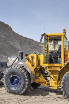 200 vrachtwagens rijden af en aan voor 2,5 miljoen kuub zand onder N18