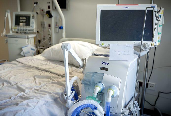 Een tot intensive care unit omgebouwde kamer in het Erasmus MC.