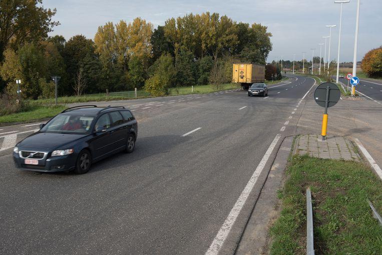 Archiefbeeld - De N60 op de grens tussen Ronse en Maarkedal. Als het van Maarkedal afhangt komt er ook een tunnel om de weg veilig te kruisen.