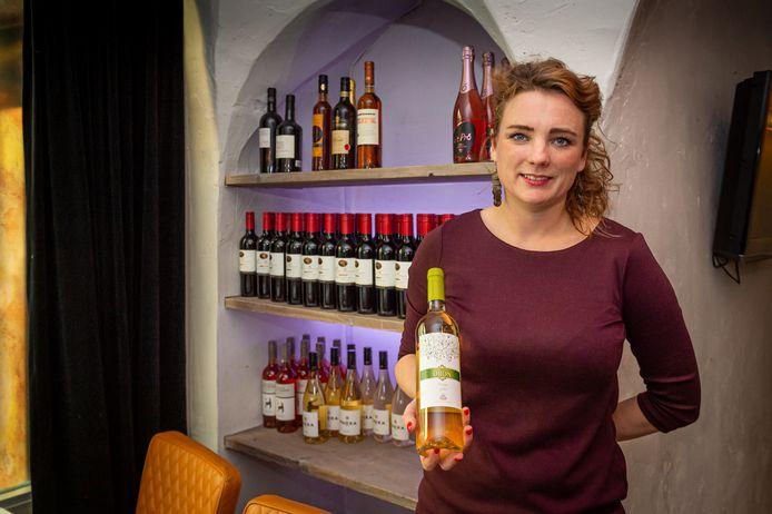 Eigenares en sommelier Margot Boerefijn van Brasserie Springer.