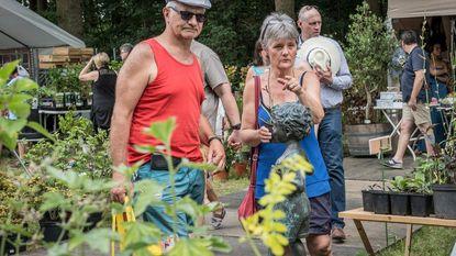 Plantenbeurs, middeleeuws dorp en taartenbakwedstrijd groot succes in Blauwhuispark