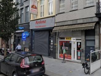 """Dagwinkel in Brederodestraat blijkt drugszaak: """"Koffiepotten met zakjes cannabis achter de toog"""""""