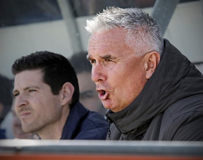 Bert Ruijsch (r) in zijn periode als trainer van UDI'19, de club uit Uden waar hij na vorig seizoen stopte.