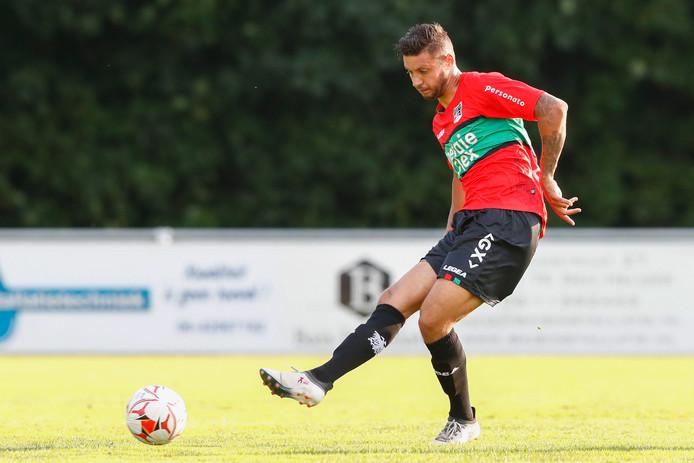 Robin Buwalda in actie voor NEC in de voorbereiding op het seizoen.
