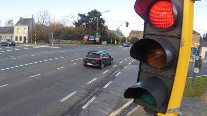 In 12 dagen tijd al 28 roodrijders betrapt aan verkeerslichten bovenaan Kruisstraat in Ronse