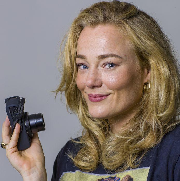Rachelle van den Broek uit Den Bosch verwerkt al vloggend haar burn-out. ,,De weekenden moeten extra leuk zijn, omdat het doordeweeks zwaar is. Het was té moeilijk om toe te geven dat het niet ging.''