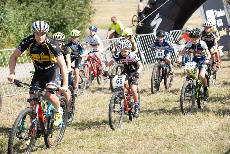 Het mountainbikeparcours was ook bij de jeugd in trek.