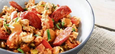 Wat Eten We Vandaag: Jambalaya met chorizo en notenrijst