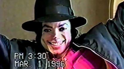 Opgedoken filmpje toont giechelende Michael Jackson tijdens kruisverhoor over 'misbruik'