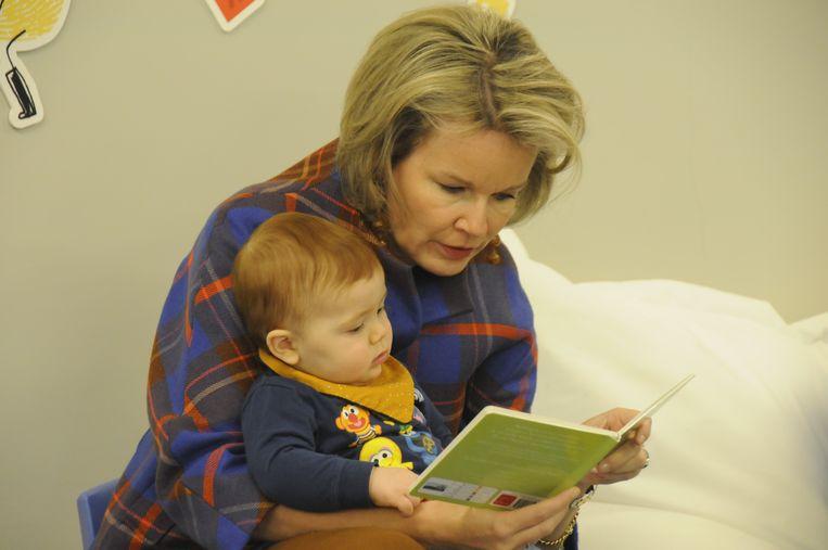 De bijna eenjarige Oskar luisterde geboeid naar de koningin.