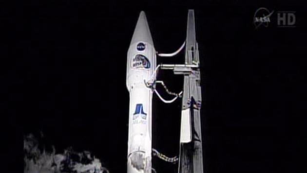 De Atlas V-raket op het lanceerplatform.