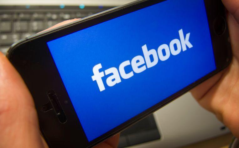 Door gepersonaliseerde en gerichte advertenties te kopen op Facebook, slaagde de ex-communicatieadviseur van CD&V er snel in meer volgers te krijgen. Die advertenties werden ook naar doelgroepen in onder meer India gericht.