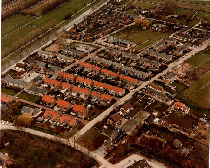 Het 1300 inwoners tellende Schelluinen in vogelvlucht.