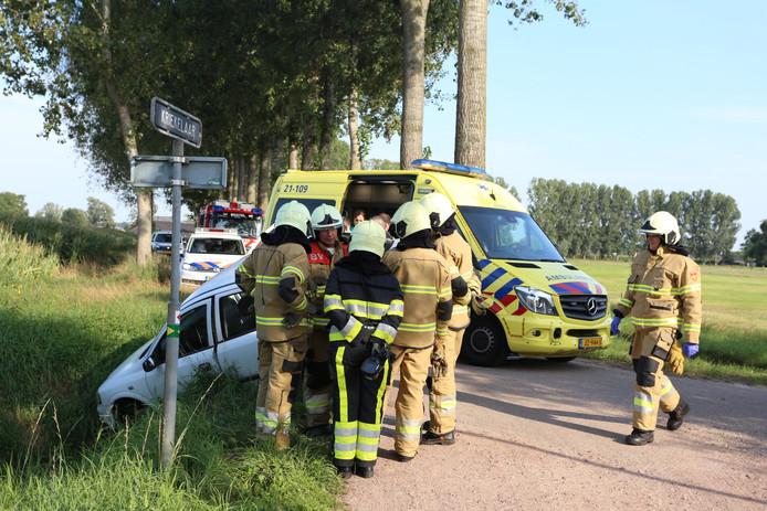 Beschonken bestuurder rijdt auto in sloot bij Gemonde.