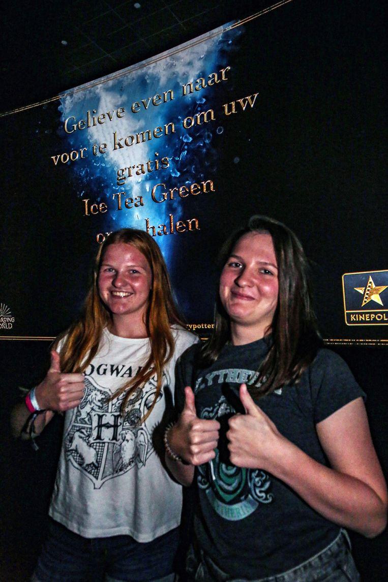 Superfans Karo Nevejan en Laura Nevejan