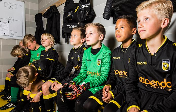 De jeugdopleiding van Vitesse wordt gewijzigd. Het team Onder 9 (zie op foto het team uit 2017) wordt na de zomer de jongste lichting. De Arnhemse club stopt met Onder 8.