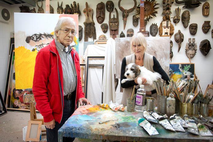 Rob Terwindt en echtgenote Mies, twee jaar geleden, in het atelier in Berg en Dal.