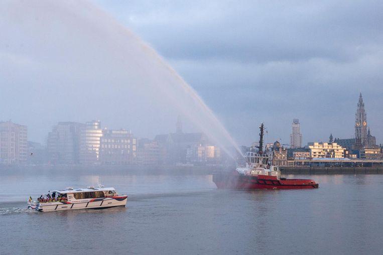 Het waterstofschip Hydroville werd gisteren officieel gedoopt.