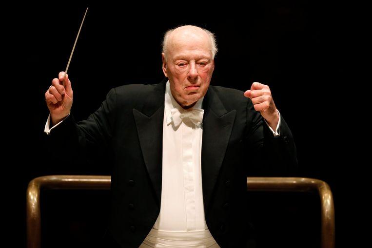 Bernard Haitink dirigeert het London Symphony Orchestra tijdens een concert ter ere van zijn negentigste verjaardag in 2019. Beeld AFP