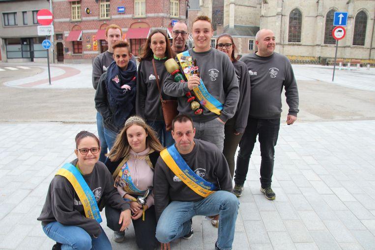 Carnavalsgroep D'au Mollekes levert een kandidaat jeugdprinses, kandidaat Miss Bette en kandidaat Bierventje.