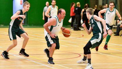 Basketbalclub Onder Ons laat zonen tegen vaders spelen