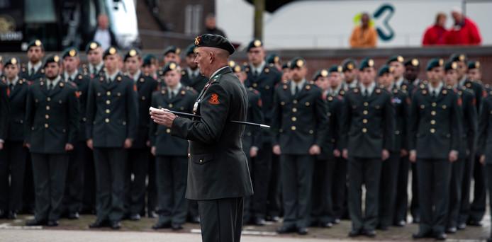 Beëdiging van militairen in Helmond.