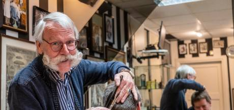 Aart (71) sluit na halve eeuw zijn kapsalon in Wapenveld: 'Sommige klanten hebben geen andere kapper gehad'