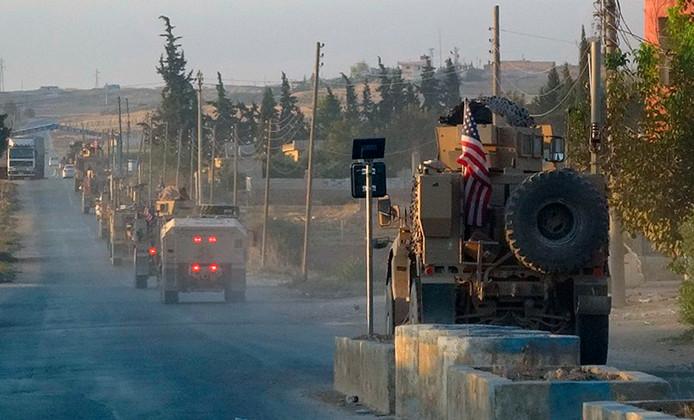 Amerikaanse troepen op terugtocht in het noordoosten van Syrië.