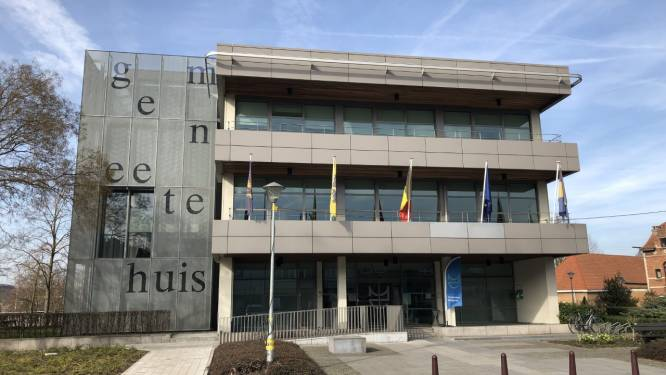 """Politicoloog over politieke impasse in Machelen: """"Als plooien niet snel gladgestreken worden, is onbestuurbaarheid enige gevolg"""""""