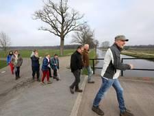 Wandelen door de Peel en kletsen in het Engels tijdens de 'Walk English'