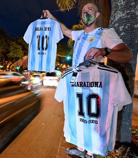 Maradona-explosie op Marktplaats: gesigneerde shirts en schilderijen
