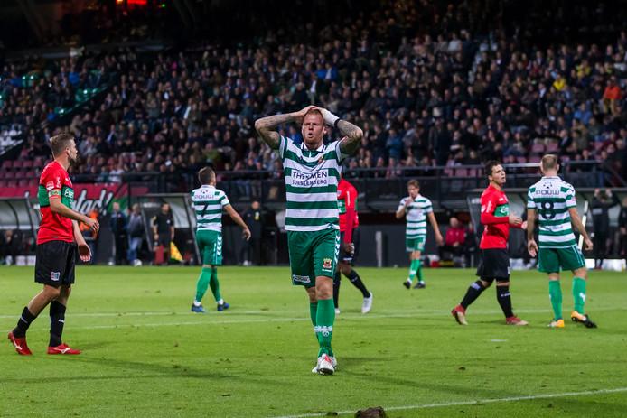 Thomas Verheydt (Go Ahead Eagles) baalt na een misser tegen NEC.
