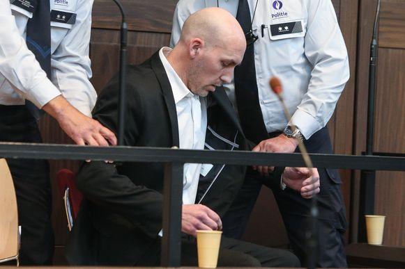 Daniel Deriemacker zakte in elkaar toen het arrest werd voorgelezen.
