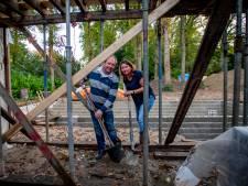 Gebouw om boom gebouwd, 'Herplantplicht is treiterij gemeente'