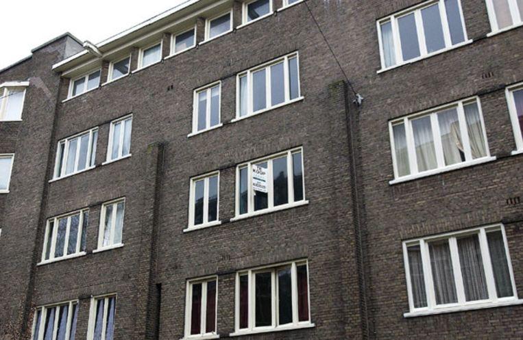 Huurders die onderverhuren aan familie of vrienden worden hard aangepakt door Amsterdamse woningcorporaties. Beeld