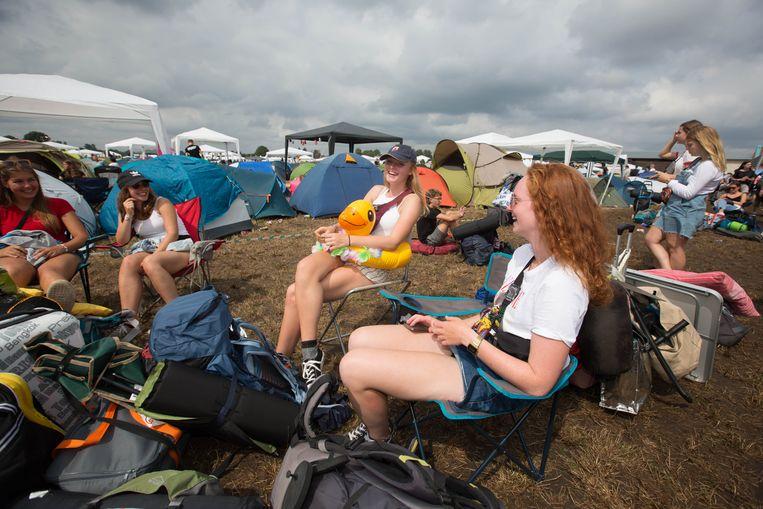 Sober kamperen op Pukkelpop kan nog gratis, maar pal naast camping 'Relax' komt nu ook een luxecamping