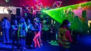 350 leerlingen feesten er op los tijdens 'fluofuif'