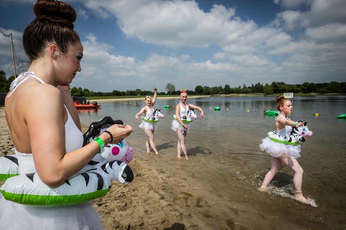 De Wijthmenerplas bij Zwolle is behalve een recreatiegebied ook een evenemententerrein, bijvoorbeeld voor festival 'Wildness'. Deze opname is van 17 mei 2014. Foto Henri van der Beek