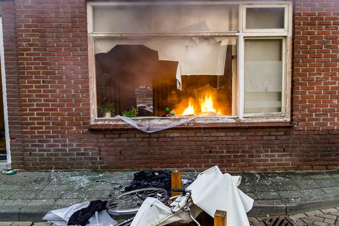 Een verwarde man stak in 2017 zijn eigen woning aan de Kanonnierstraat in Oosterhout in brand.