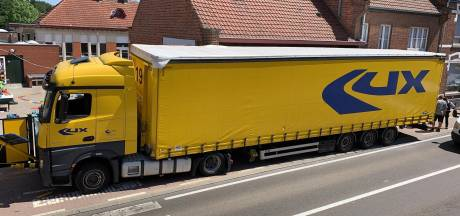 Belgische basisschool ontsnapt: vrachtwagen ramt gevel net voor schoolbel