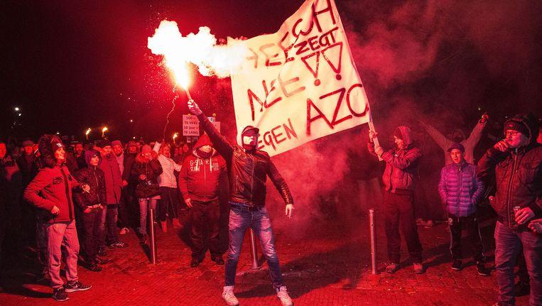 Een demonstratie tegen de mogelijke komst van een asielzoekerscentrum in Heesch is uit de hand gelopen. Beeld null