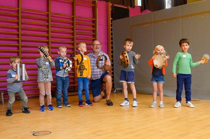 Kinderen kunnen al vanaf vijf jaar meedoen met de Muziekids.