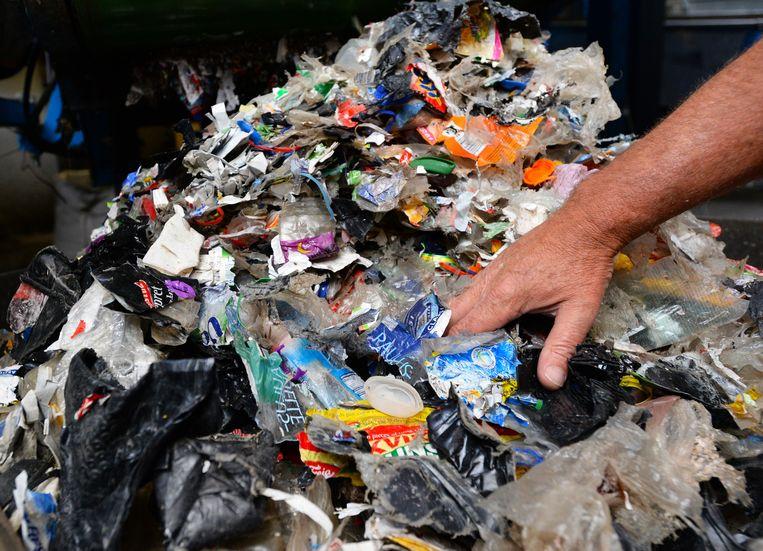 Bij 4Pet Recycling worden petflessen verzameld en vermalen tot een grondstof voor nieuwe producten. Beeld ANP