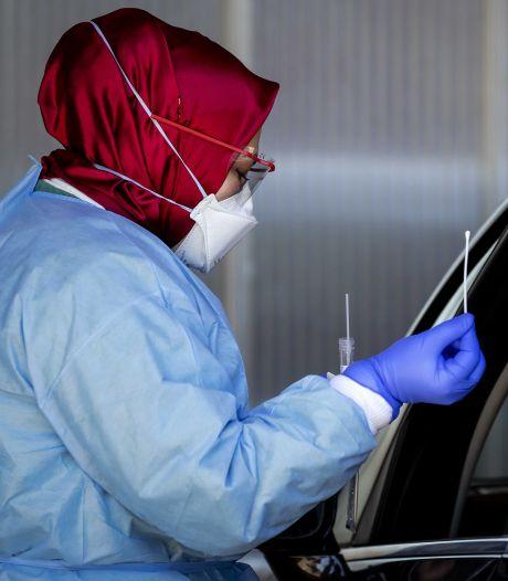 Liefst 323.000 telefoontjes naar nieuw nummer voor coronatest: 'Systemen overbelast'