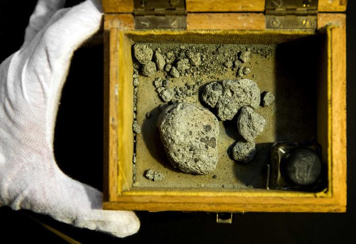 De meteoriet van Ellemeet. ANP KOEN VAN WEEL