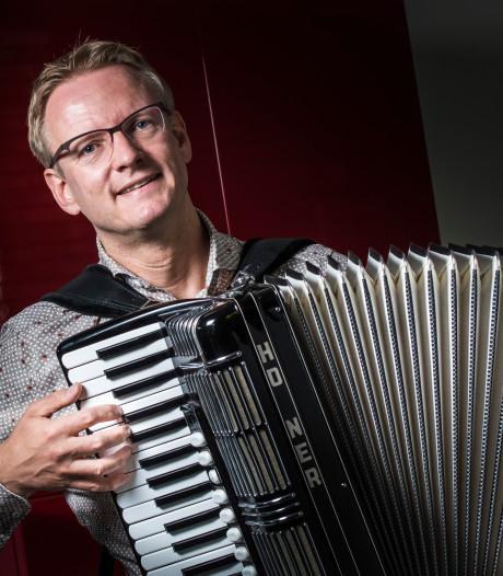 Hengeloër Thijs is voorzitter van accordeonvereniging: 'Ik voel me Animato-man, heb er veel vrienden'