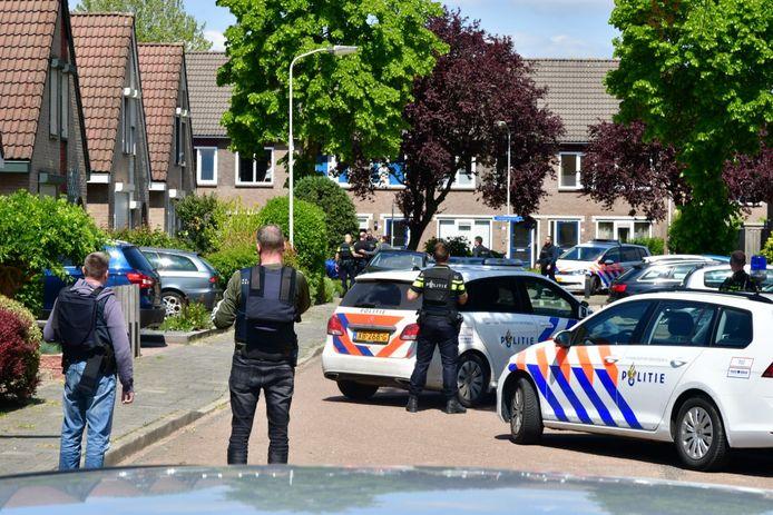 De politieactie in Duiven.