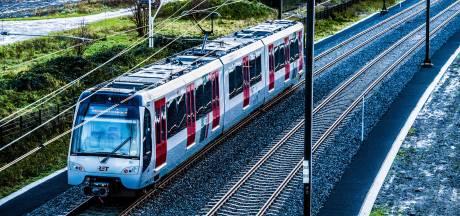 Software-update voor Hoekse Lijn vertraagd, gevolgen voor oplevering Metro aan Zee niet uitgesloten