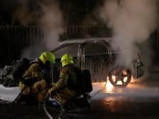 Geparkeerde auto gaat in vlammen op in Ede