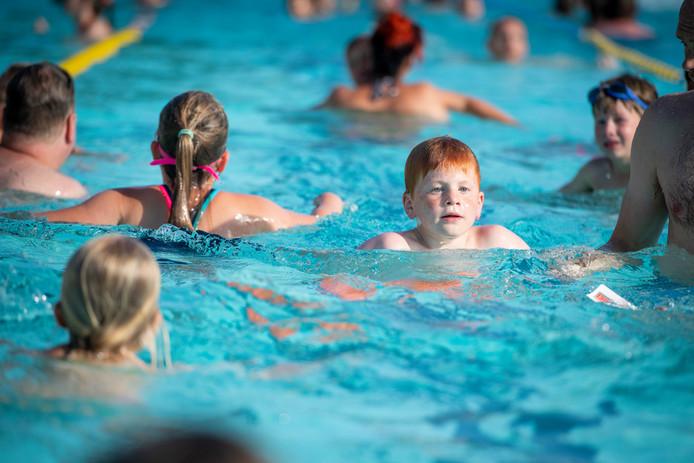 In veel gemeenten, zoals in Rijssen, zijn zwemevenementen al populair.